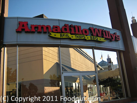 Armadillo Willys exterior decor