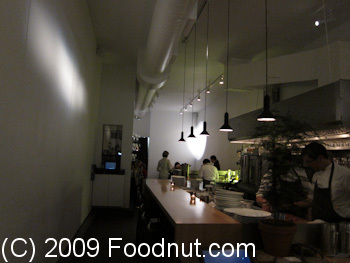 Commis Oakland Interior Decor