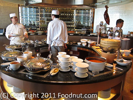JW Marriott Hong Kong The Lounge Sunday Brunch Buffet cooked food