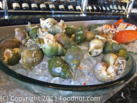 JW Marriott Hong Kong The Lounge Sunday Brunch Buffet crab shrimp shellfish 2
