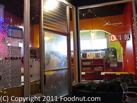 Thaiger Thai Kitchen San Mateo_interior decor