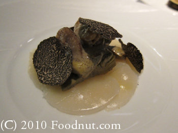 Twist by Pierre Gagnaire Las Vegas Scallop and Melano Sporum Truffle